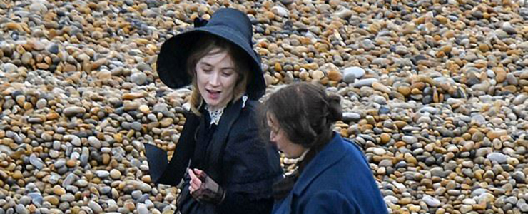 "(Photos) Filming ""Ammonite"" at Eype Beach"